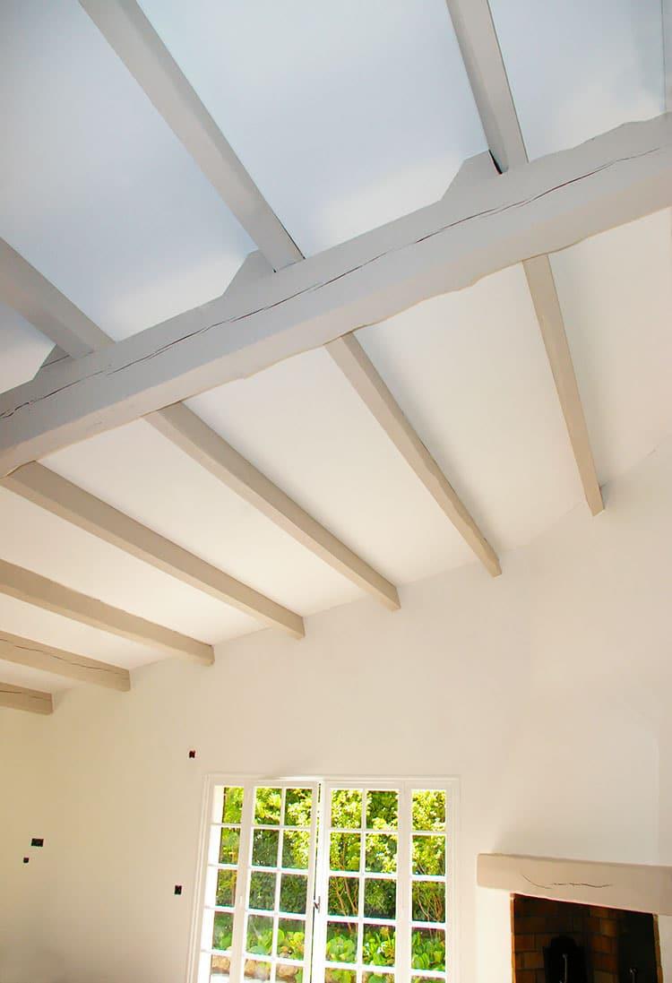 Plafond tendu.